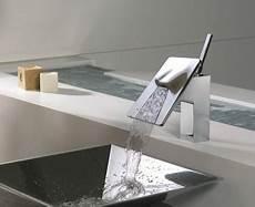 rubinetto a cascata rubinetto a cascata bagno