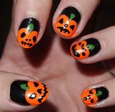 Cool Halloween Designs Nails 18 Cool Halloween Nail Designs