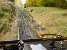 treno cremagliera il monte pilatus lucerna con il trenino a cremagliera