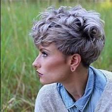 kurzhaarfrisuren für dickes graues haar lockige haare kurz schneiden lassen sehr weiblich und