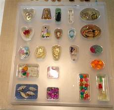 resin crafts working in molds part two