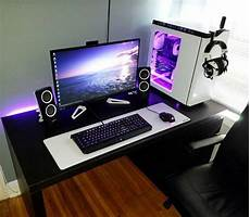 Computers Set Up Im Just A Little Too Broke For This Gaming Desk Setup