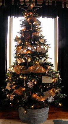 piedistallo per albero di natale 25 idee originali per rivestire la base dell albero di