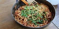 vegansk pasta vegansk pasta all amatriciana med tofu och n 246 tter kungs 246 rnen