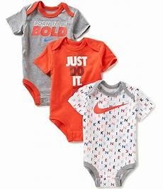 nike baby boys newborn 12 months bodysuit three pack