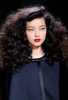 curly hairstyles 8 runway inspired looks fall 2013 curly hairstyles 8 runway inspired looks fall 2013