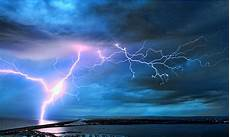 What Is Sheet Lightening Sun S Activity Triggers Lightning Strikes Science The
