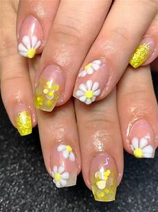 Acrylic Nails With Flower Design Day 79 First Day Of Spring Nail Art Nails Magazine