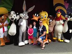 Six Flags Characters 13 Must Do Activities In Atlanta