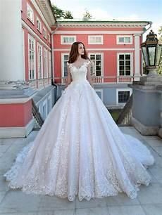 luxury wedding dresses gown sweep lace