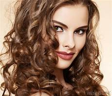 frisuren braune lockige haare what is the best way to style curly hair with pictures