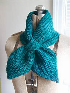 knitting scarves in with scarflettes yarn forward knit past