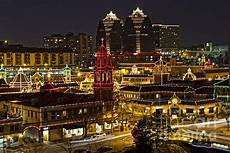 Plaza Lighting Kansas City Missouri And This Year S Famous Flipper Of The Plaza Lights Switch