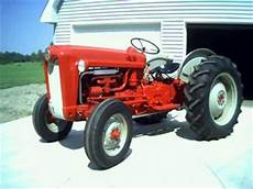 Antique Tractors 1961 Ford 601 Workmaster Picture