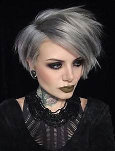 kurzhaarfrisuren graue haare the 32 coolest gray hairstyles for every lenght and age