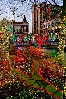 Christmas Lights In Fayetteville Ar 10 Arkansas Places With Amazing Christmas Decorations