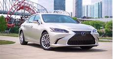lexus 2019 es 350 colors the 2019 lexus es in two new colors moonbeam beige