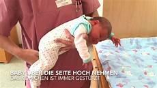 wie babys gestillt werden baby handling so geht s