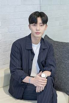 park seo joon talks about quot what s wrong with secretary kim