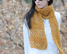 honeycombs summer easy scarf knitting pattern in a