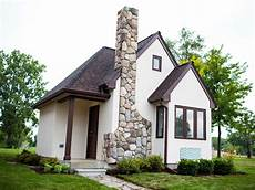 Tiny Houses Detroit Ford Goes Big To Support Detroit Tiny Homes