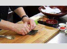 How to Moisten the Nori When Making Sushi : Sushi