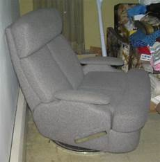 modern reclining arm chair with retractable foot rest