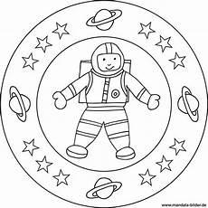 mandala und ausmalbild astronaut im weltraum