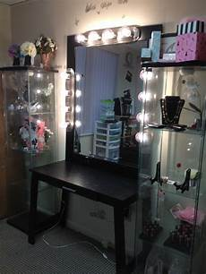 Makeup Vanity With Lights How Dazzling Makeup Vanities For Bedrooms With Lights