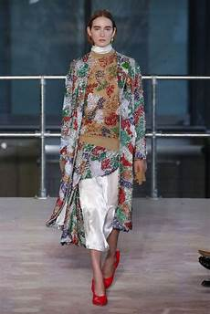 embroidery fashion the best aw18 embroidery at fashion week