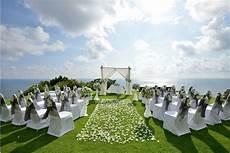 5 outdoor ceremony mistakes to avoid weddingbee