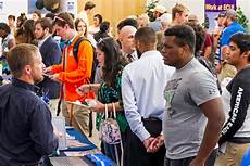 What To Take To A Job Fair Career Fair Gives Students Chance To Meet Area Employers