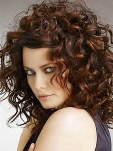 natural hairstyles for curly medium length hair