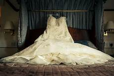 guide cleaning your wedding dress