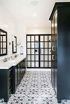 black and white bathroom tile ideas 25 incredibly stylish black and white bathroom ideas to