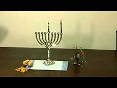 How To Light The Menorah And Hanukkah How To Light A Hanukkah Menorah Youtube
