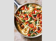 Chicken Pasta Recipe with Tomato and Spinach ? How to Make