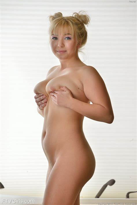 Sexy Hair Nude