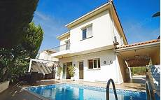Four Bedroom House For Rent 4 Bedroom House For Rent With Swimming Pool In Latsia