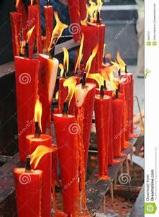candele rosse candele rosse immagine stock immagine di fuoco candele