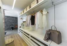 schlafzimmer ideen mit ankleide begehbare kleiderschr 228 nke und ankleidezimmer ideen bilder