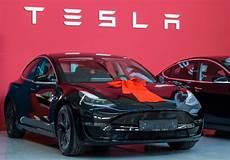 2019 tesla model u tesla launches its highly anticipated model 3 at 35 000