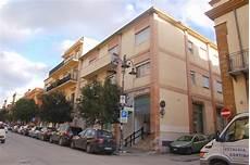 unicredit banco di sicilia ribera i carabinieri temono una rapina circondano la