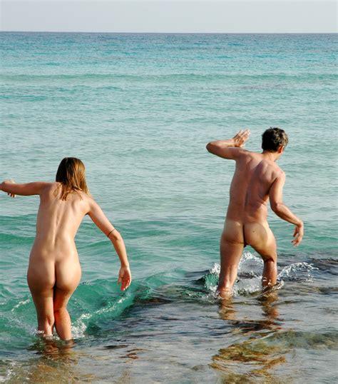 Nude Girls Lax