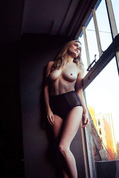 Hannha Montana Nude