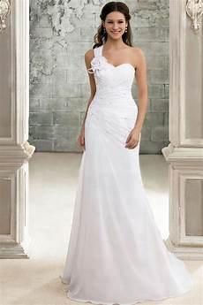 wedding dresses i being a