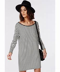 oversized sleeve tshirt missguided sleeve oversized t shirt dress monochrome