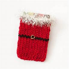 weihnachtsgeschenke stricken santa knit gift card holder pattern petals to picots