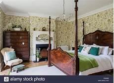 letti a baldacchino antichi antikes himmelbett aus holz in regency schlafzimmer mit