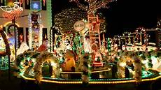 Great Christmas Light Fight 2017 Raleigh Nc Great Christmas Light Fight On Abc Food S Holiday
